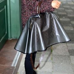 Rain Slicker For Designer Handbags, Tote Bags And Purses in Transparent Black Color ( Medium Size )